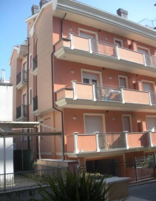 Appartamento via modena appartamenti in affitto a for Appartamenti in affitto modena