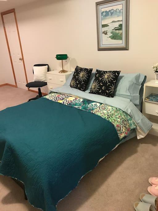 clean & fresh full-size futon