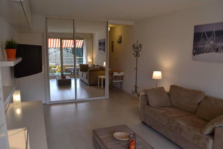 charmant studio centre de st tropez - Saint-Tropez - Lägenhet