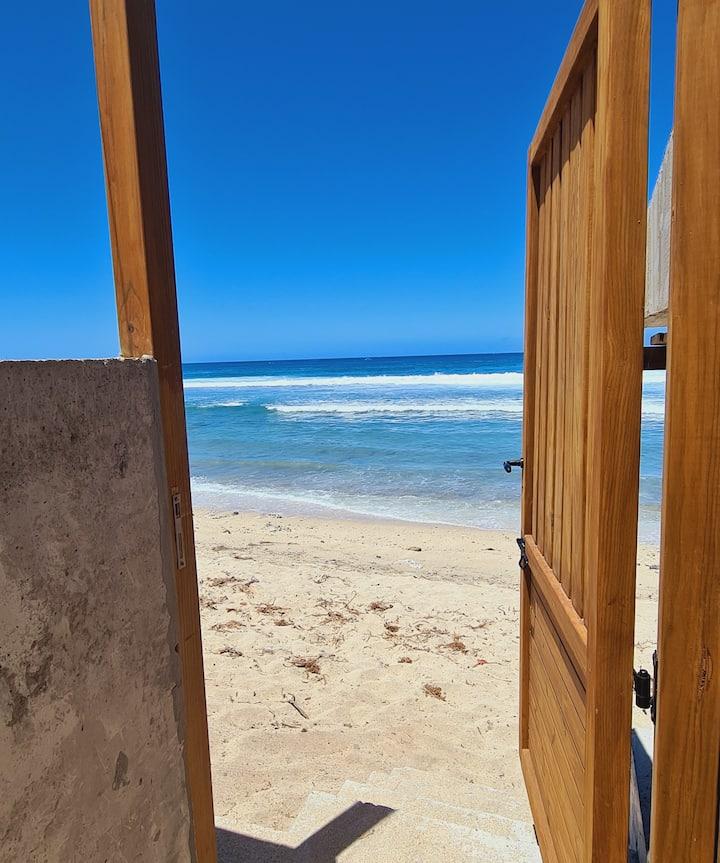 App. The PALM BEACH, 3 pers. near the beach of Saint Gilles les Bains