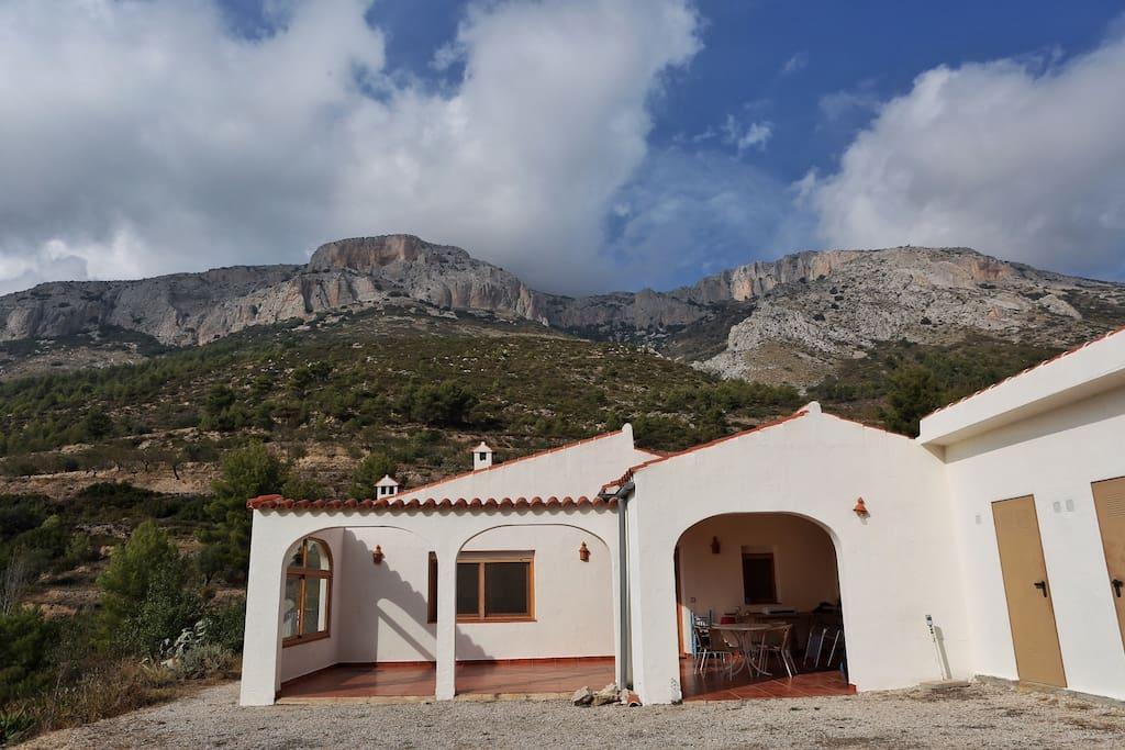 Buscas una buena experiencia en plena naturaleza for Cabanas en los arboles comunidad valenciana