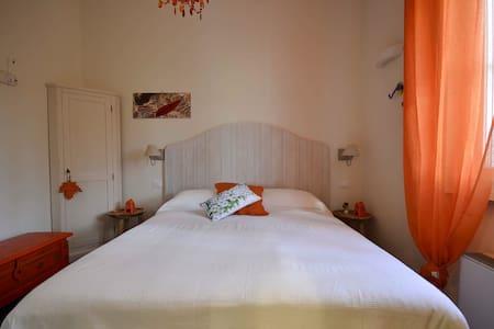 Villa Porto sul magra arancio - Ameglia