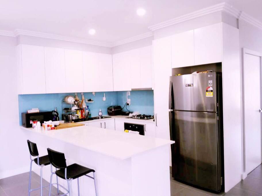 kitchen 厨房