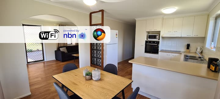 🌲 Aircon, Pet & Tradie Friendly house 🌲 ideal for long stays