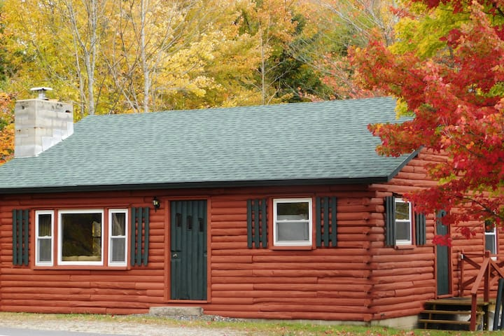 The Log Cabin- In the heart of West Dover