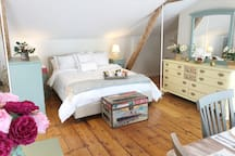 Sunny Westport Studio Apt. Above Historic Mill