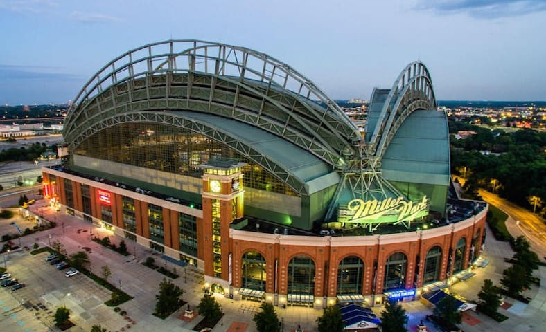 Miller Park (home of the Milwaukee Brewers) is just 15 minutes away!