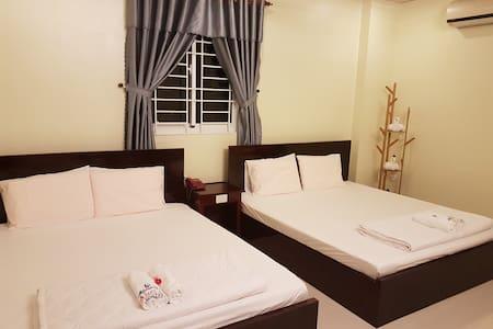 Hostel Dang Loi - room for 4 peoples
