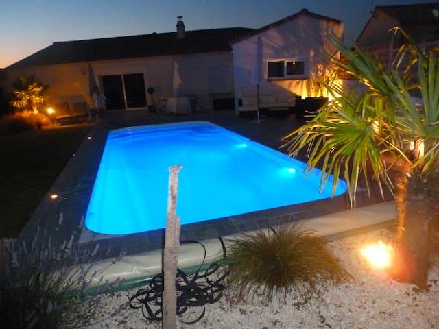 Villa vendéenne avec piscine chauffée