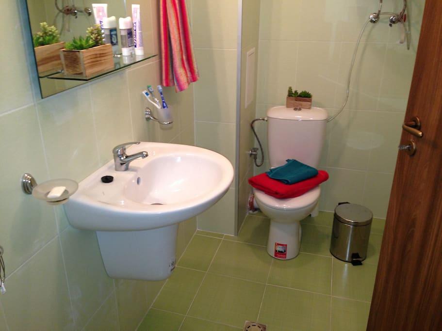 Bathroom (inc towels)