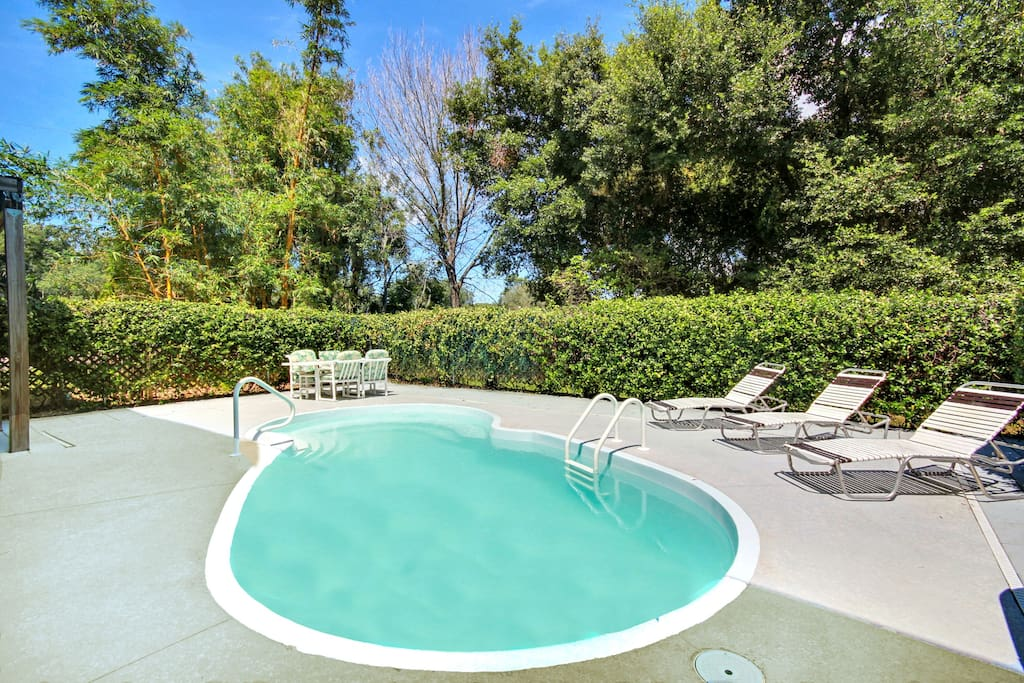 Make a splash in the private swimming pool or grab a seat on the loungers.