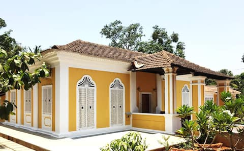 Casa Dora, a historic Portuguese villa