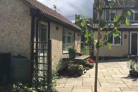 Viables, Basingstoke - private annexe