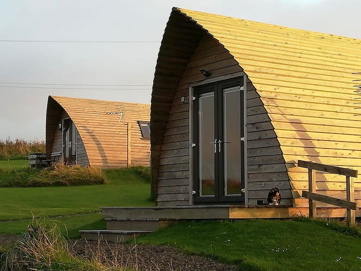 Crofter's Snug Two: Glamping + amazing sea views!