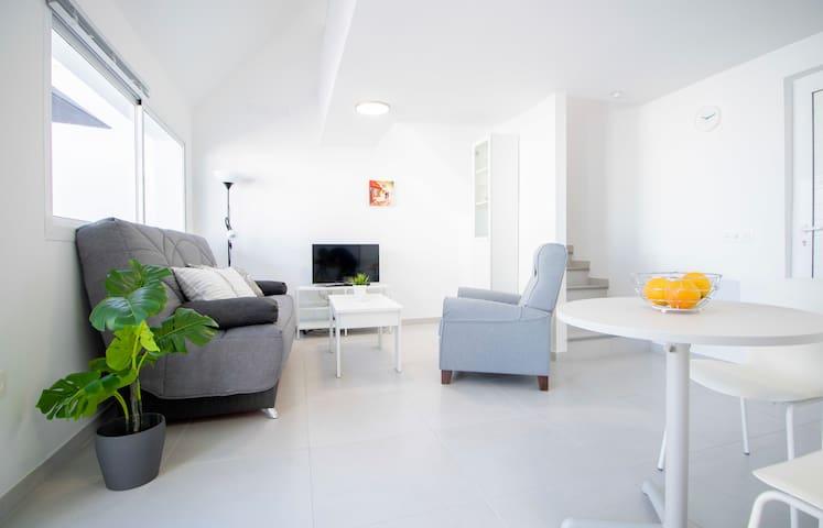 Renovado Apartamento con Terraza junto a Anfi