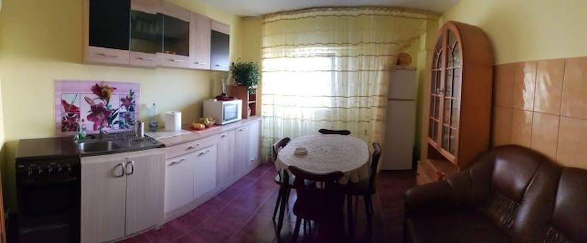 Apartament 3 camere Mangalia