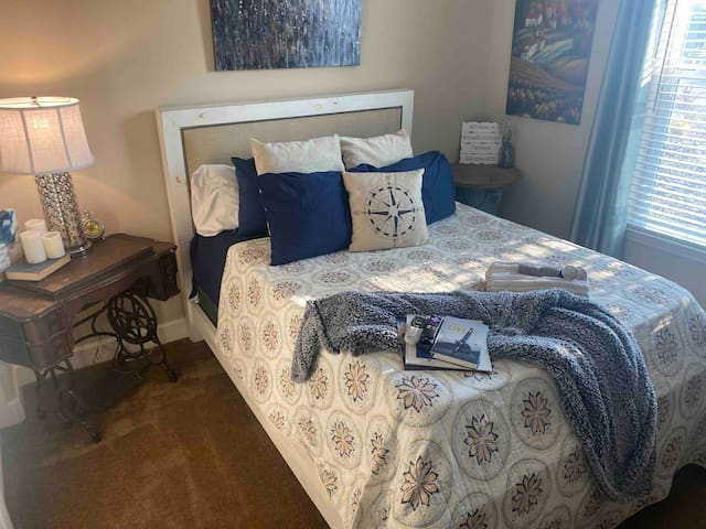 Private Queen Room & Bath 25 Minutes From Mt. Rose