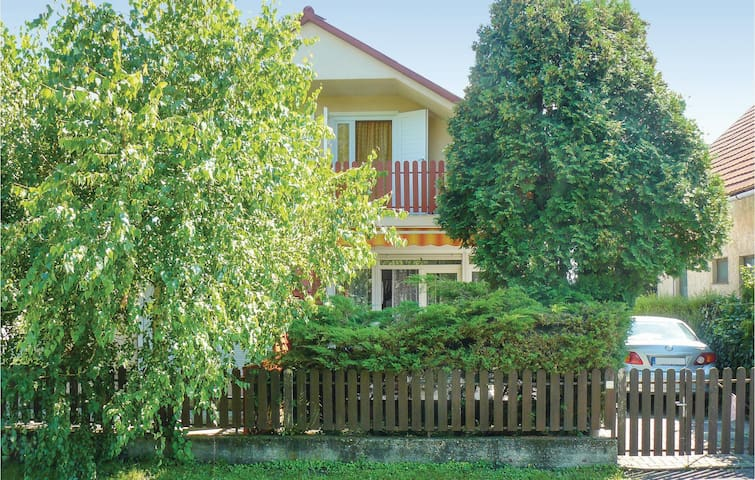 Semi-Detached with 2 bedrooms on 58m² in Balatonlelle