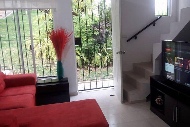 Acogedor hogar para conocer Zihuatanejo - Guerrero - Bungalow