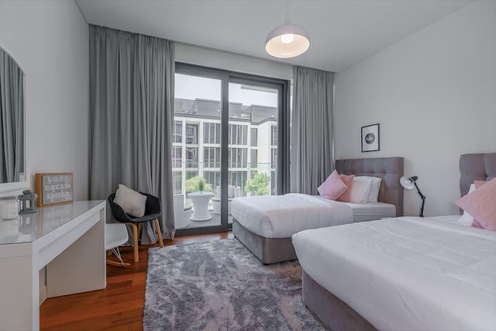 Elegant | 2 Bedroom | City Walk