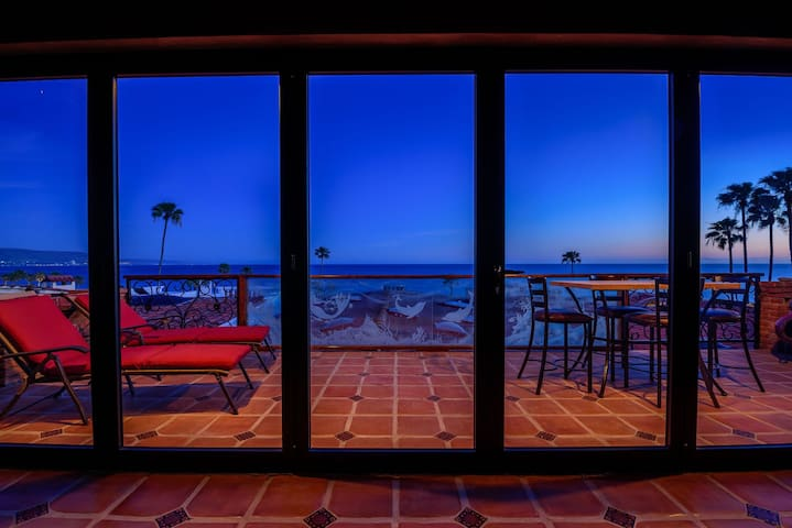 Surreal Artsy Home with Panoramic Ocean Views - Rosarito - Hus