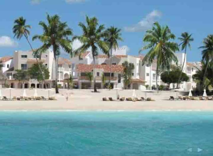 Cadaques Caribe  Next to the Beach Apt. 2Bed/2B