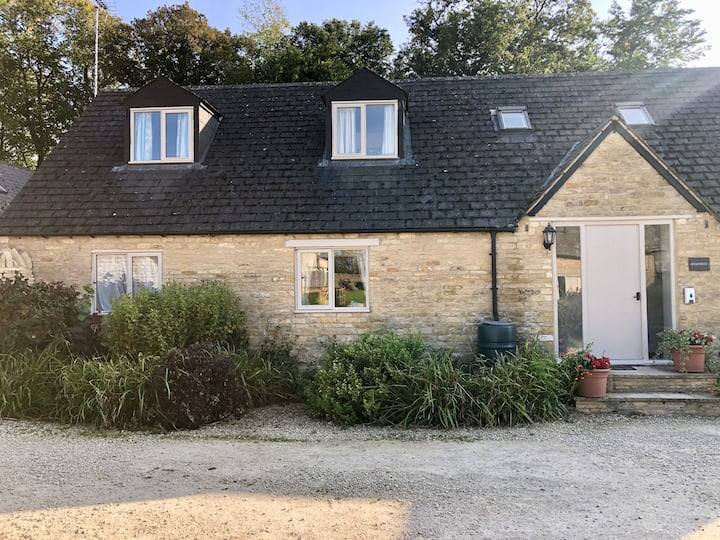 Snowshill Cottage, 3 bed, 2 bath