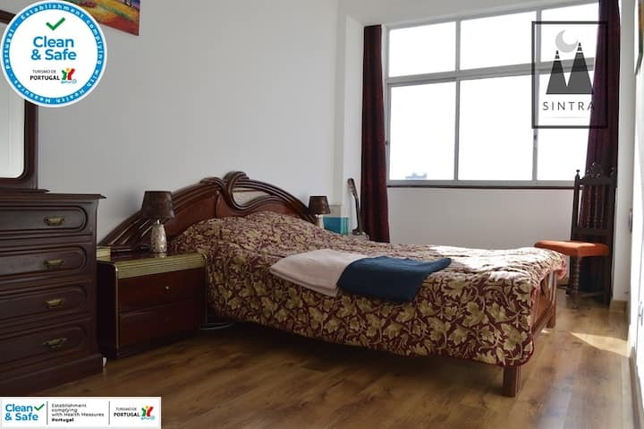 Panoramic Top Hill Bedroom