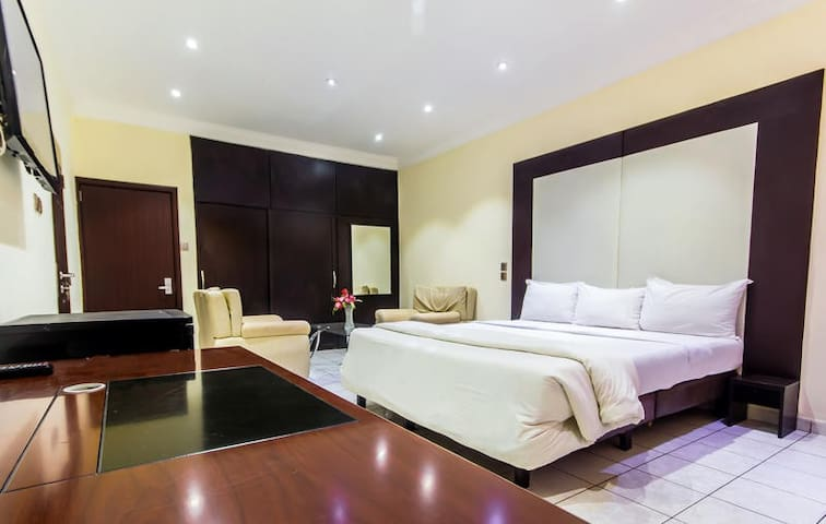 1st Forty Hotel-Millennium Room