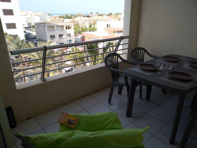 Appartement vue sur mer, 50m de la plage Richelieu