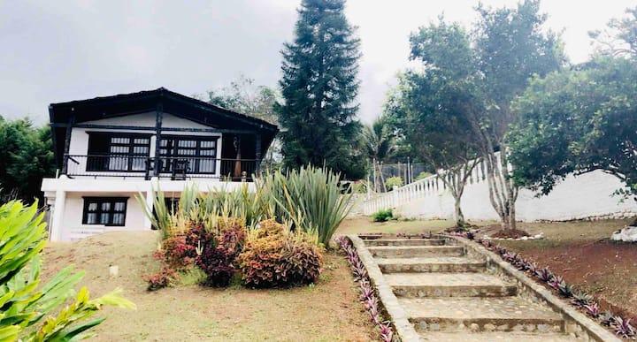 Villa Gloria! Beautiful Farm x 12 Guest with Pool