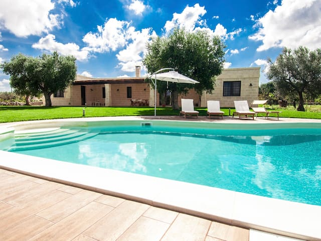 Casina Salentina: Large Villa with Swimming Pool - polignano a mare - Casa de campo