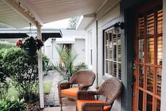 Oasis+Garden+Cottage+-cozy%2C+chic%2C+near+everything%21