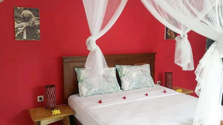 7Hot Water/Kitchen/AC Bundaku Homestay Bright Room