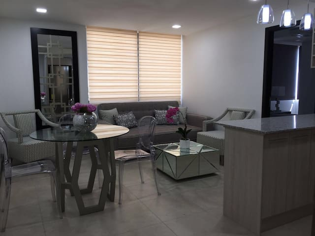 Incredible 2BR Apartment Next to the River! - Guayaquil