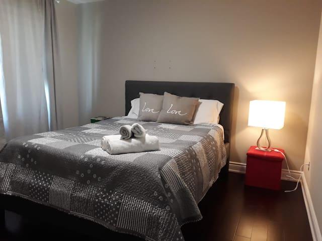 Cozy guestroom3