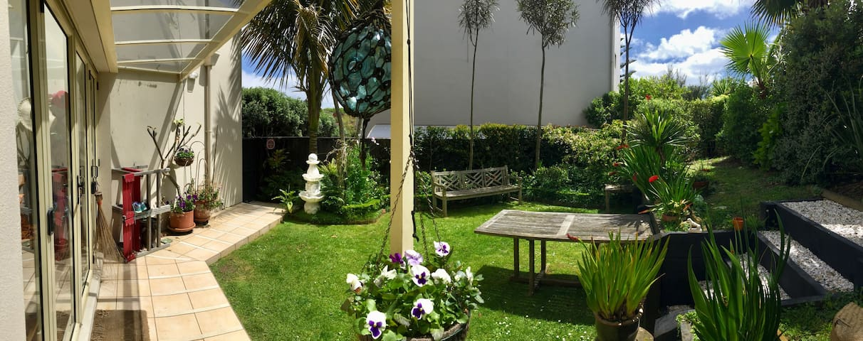 Ponsonby close to city; room & bathroom - Auckland - House