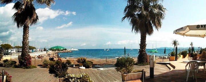 Studio, mezzanine et terrasse, plage (Hyères)