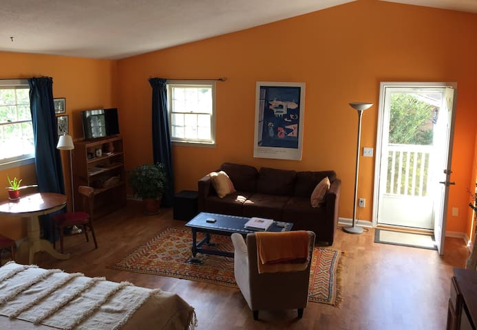 Moroccan-style loft minutes from downtown - Mount Pleasant - Huoneisto