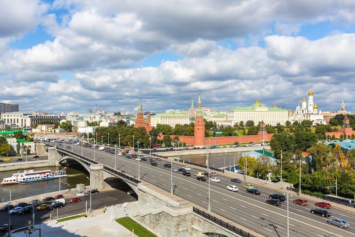 Amazing Kremlin view 2 bedroom apartment - Moskva