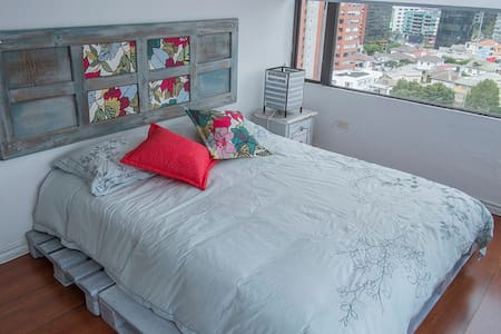 Gorgeous central Apt. Great view. - Quito - Appartamento