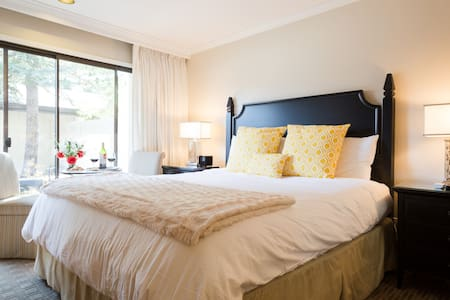 Gorgeous Stay: 40% OFF, Sanitized, Self Check-in