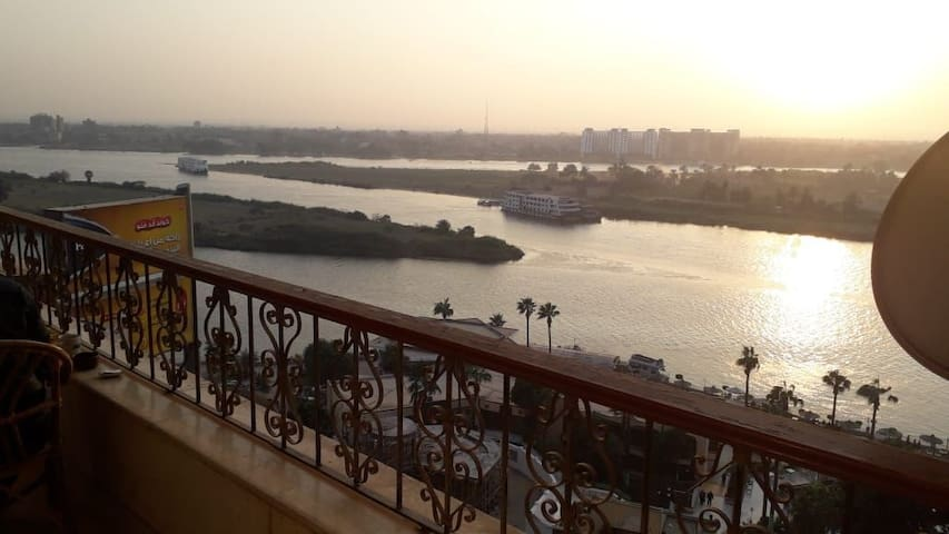 IN FRONT OF THE NILE   for rent or sale $ 300 000