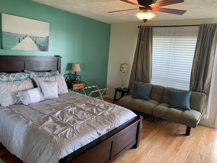 Water Front, Walking Distance to Beach