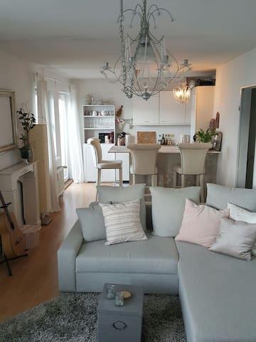 Süße Mädchenwohnung in Eimsbüttel - Hamburg - Apartemen