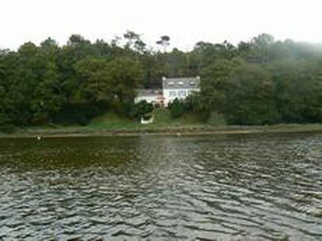 Maison de pêcheur au bord de la ria du Bélon - Riec-sur-Bélon - House