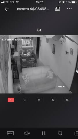 Habitación con cama king en casa totalmente segura