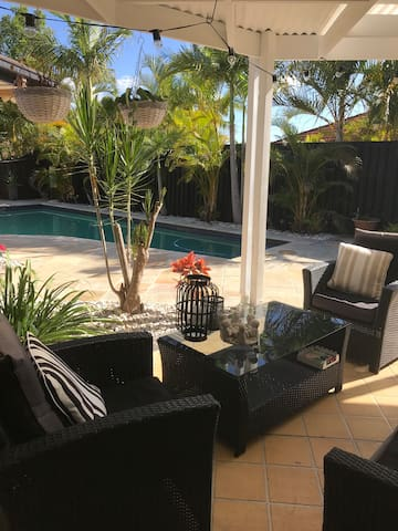Robina home with a pool and close to transport