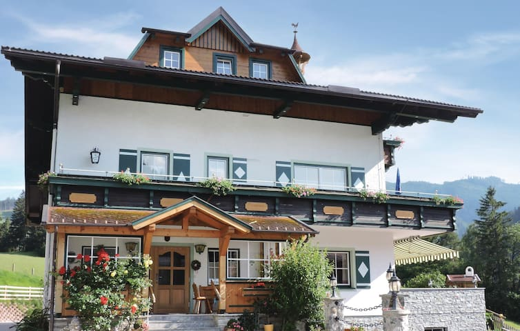 Holiday apartment with 2 bedrooms on 51 m² in Schladming
