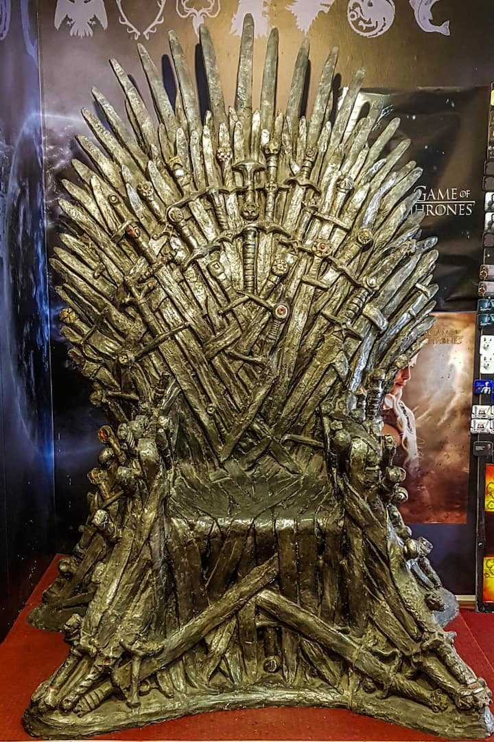 Picture on the Iron Throne